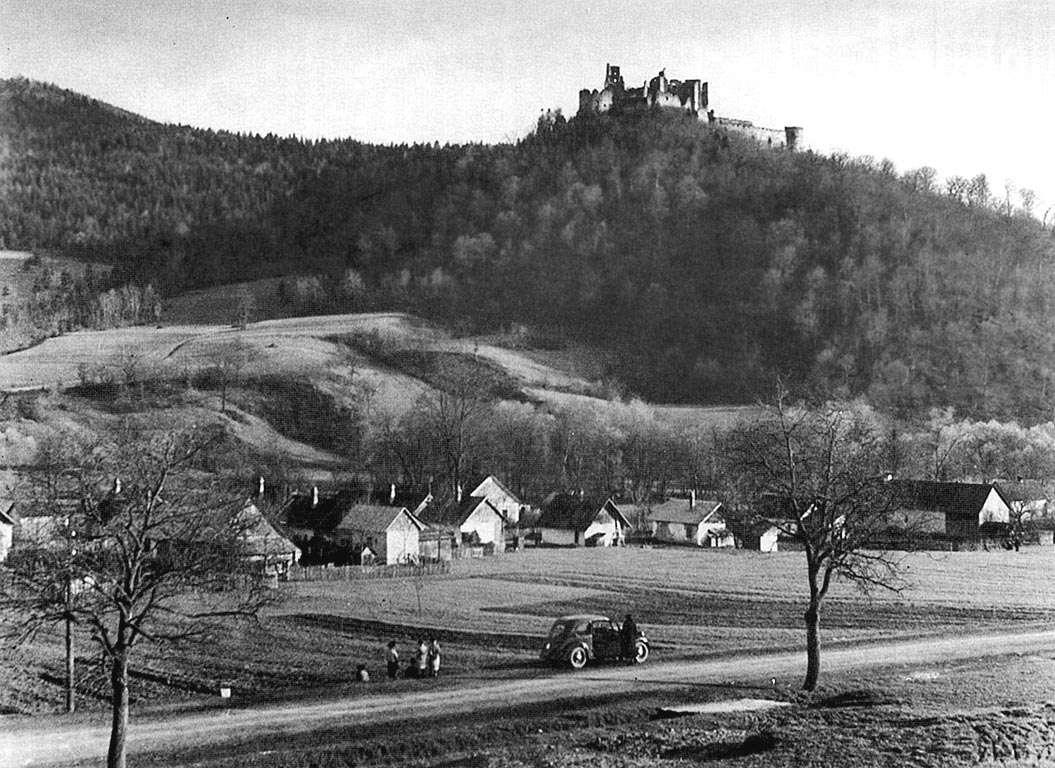 Hrad Zborov zachytený na dobovej fotografii