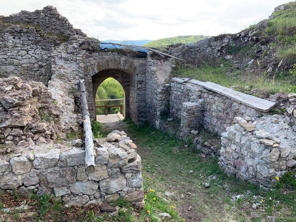 Obnovená časť Hanigovského hradu