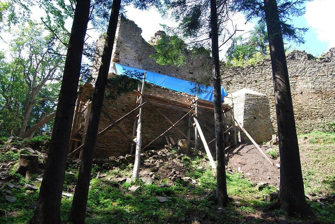 Počiatky rekonštrukčných prác na hrade Zborov, rok 2010