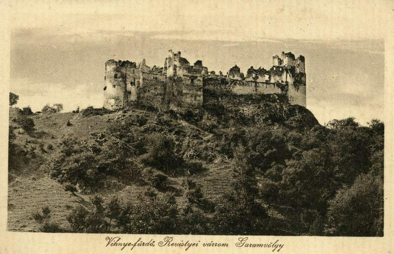 Historická pohľadnica so zobrazením hradu Revište