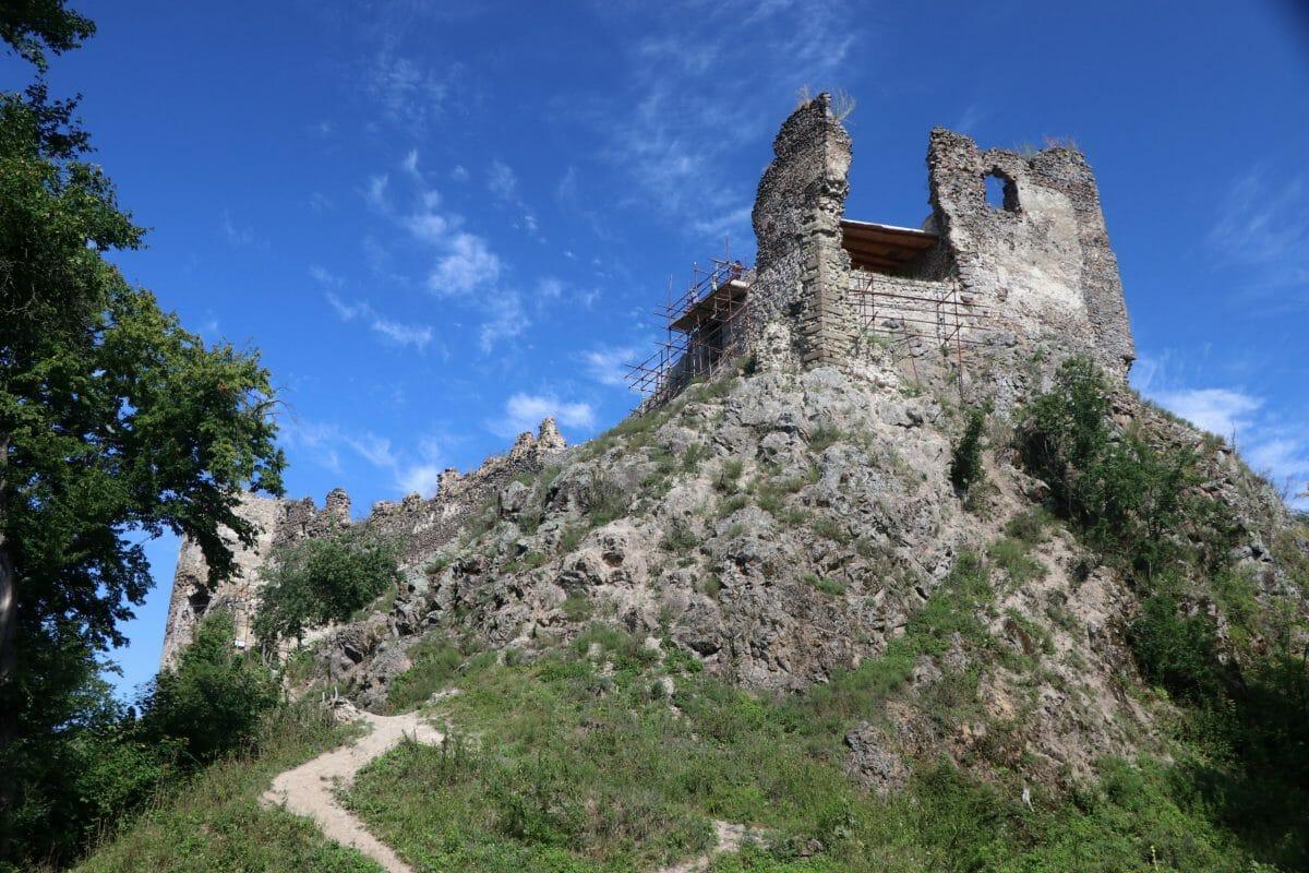 Hrad Šášov – prístupová cesta