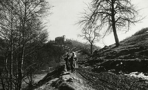 Šášov na historickej fotografii