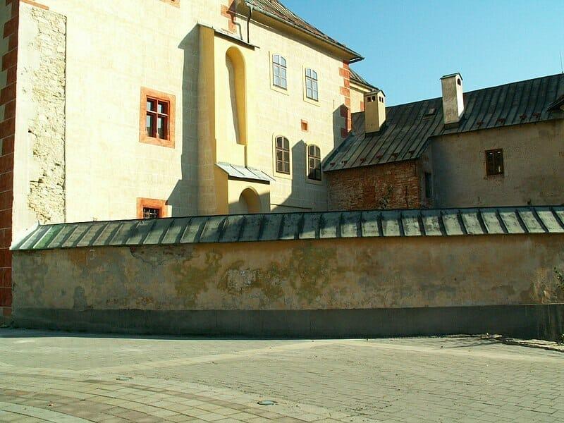 Areál Mestského hradu – detail na Barbakan