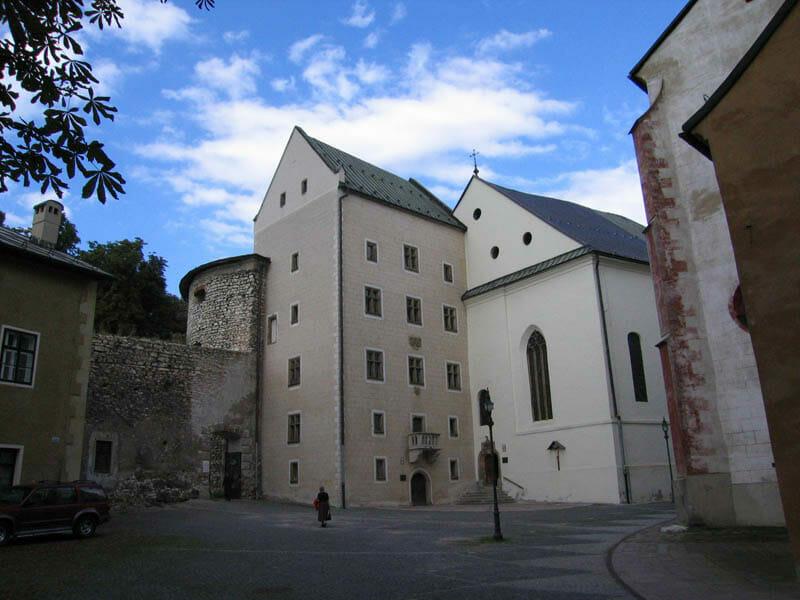 Matejov dom a Kostol sv.Kríža Banská Bystrica