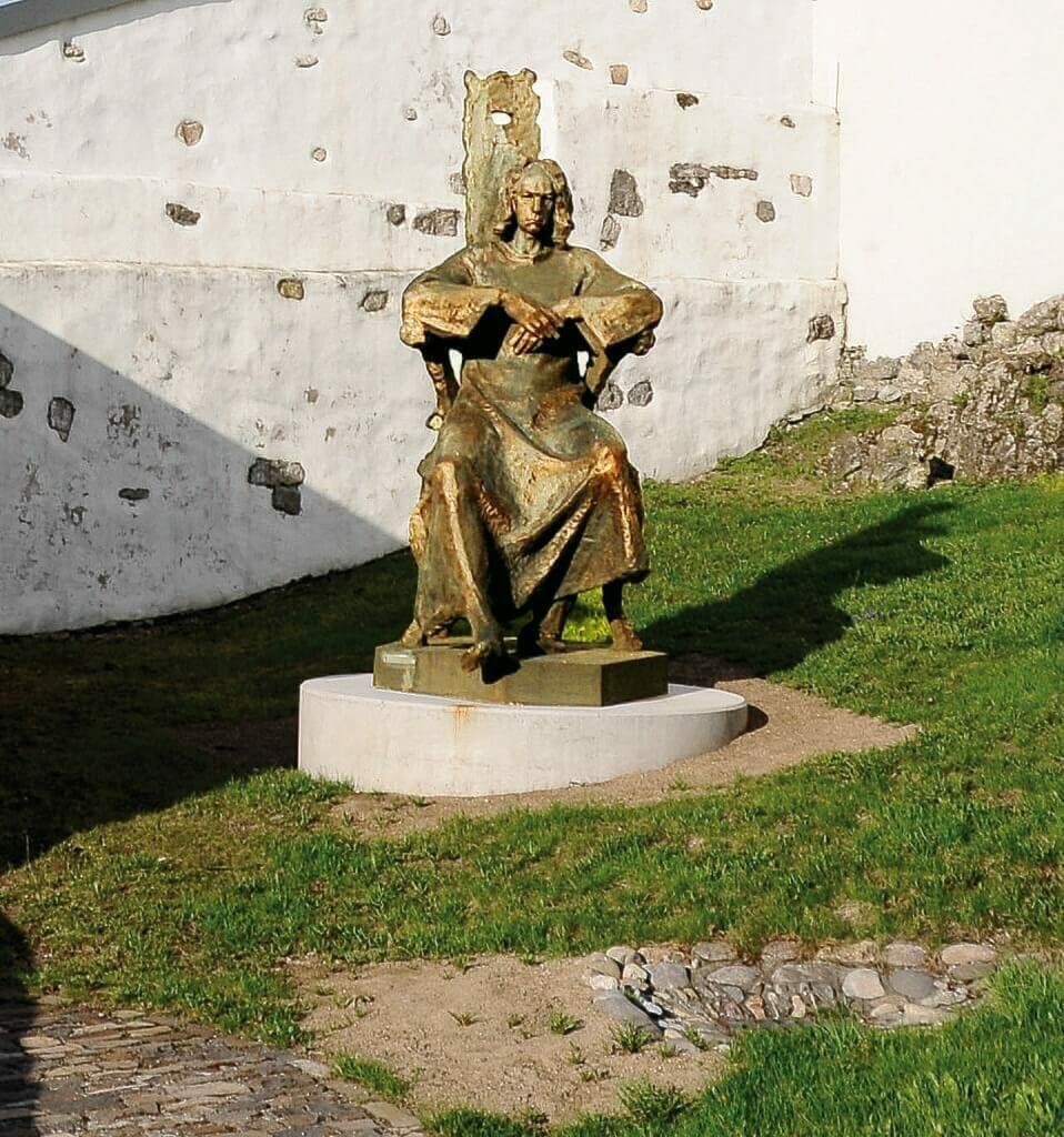 Bronzová socha Mateja Korvína od sochára Jána Kulicha