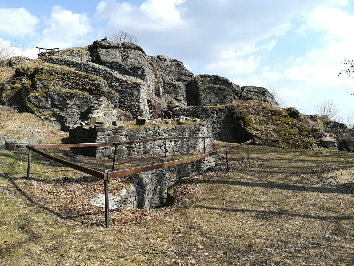 Zrúcanina hradu Sitno