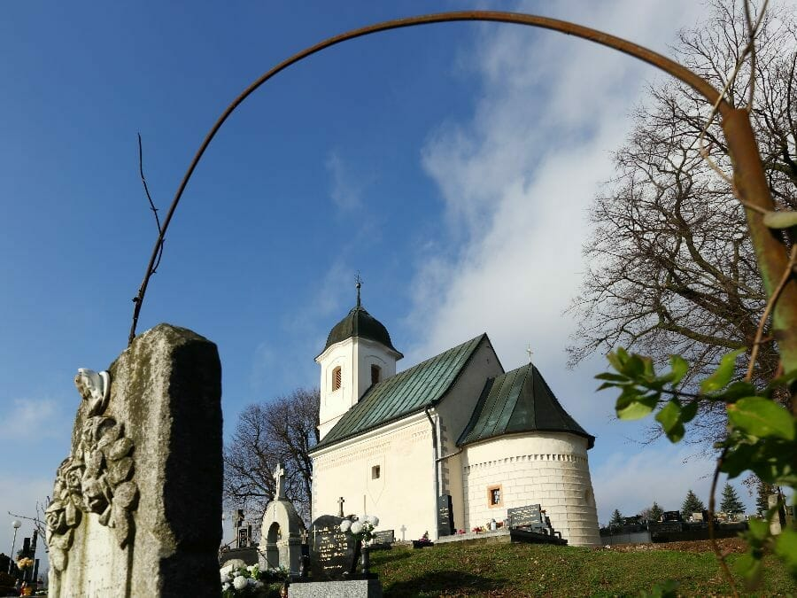 Kostol Všetkých svätých Dechtice