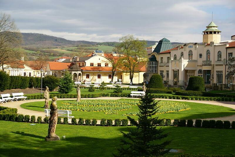 Kúpeľný park v Piešťanoch pred Thermia Palace