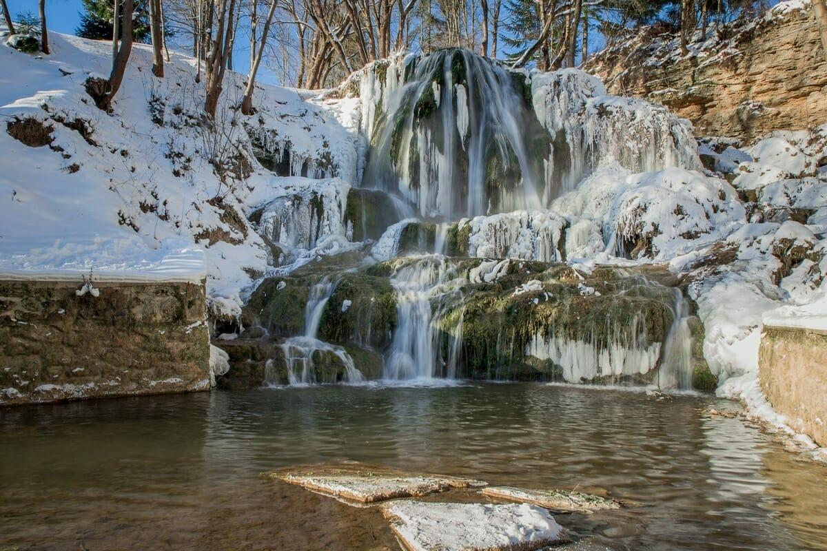 Lúčanský vodopád ani v zime nazamŕza