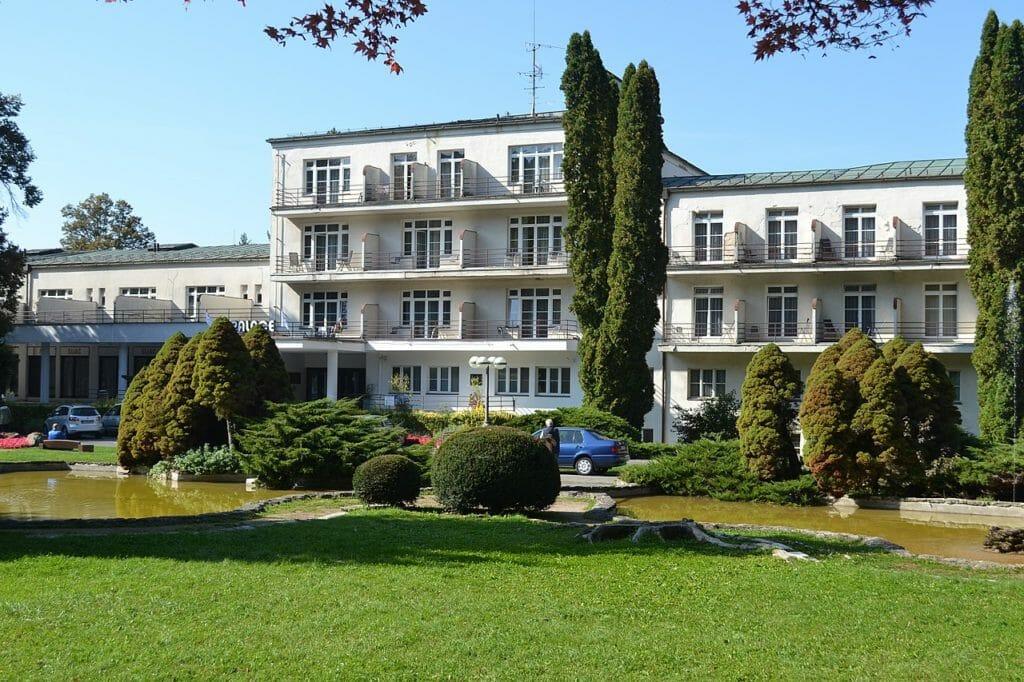 Kúpeľný dom Palace, Sliač