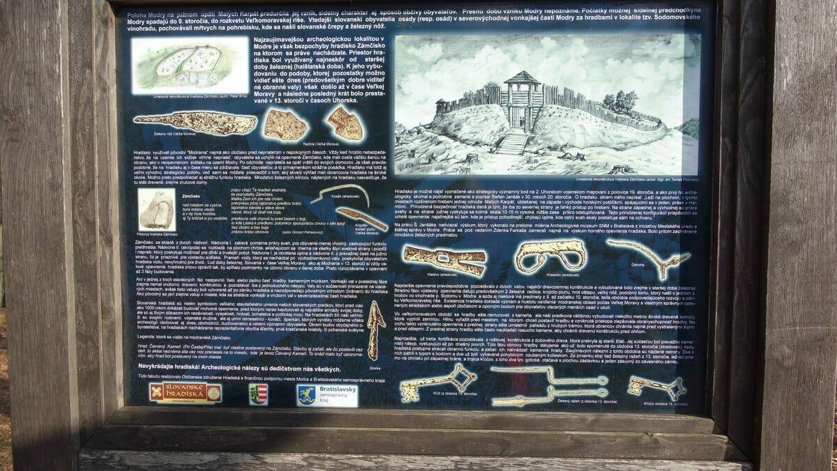 Informačná tabuľa Hradiska Zámčisko