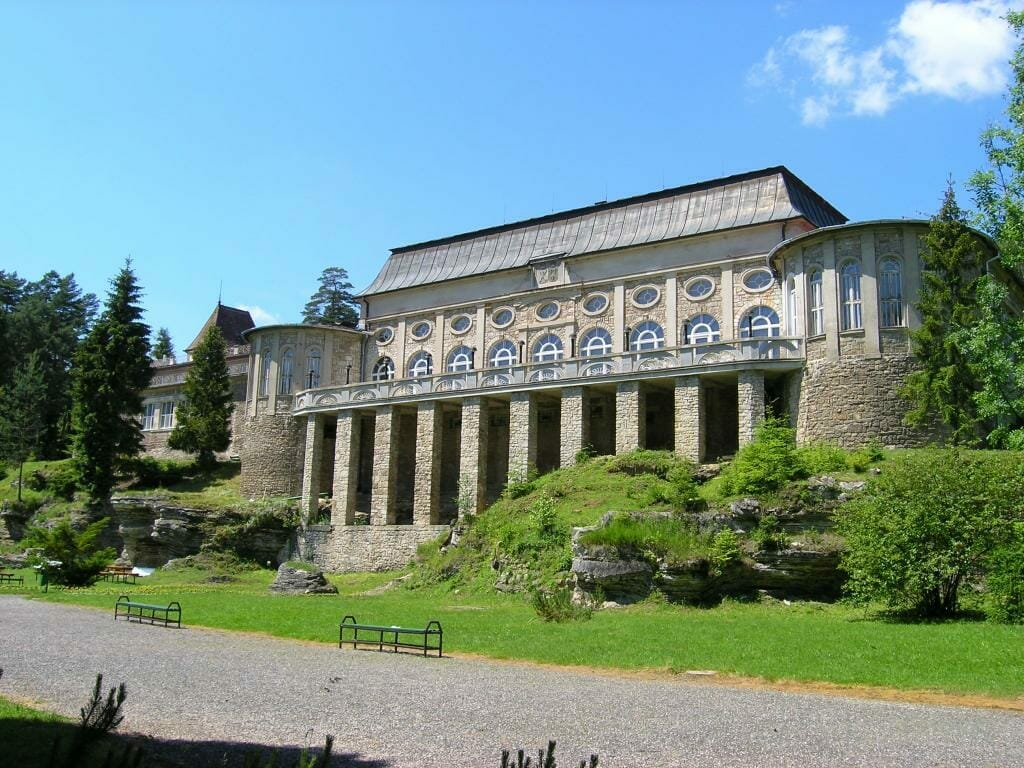 Celkový pohľad na Biely dom grófa Zámoyského