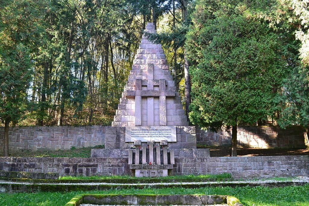 Pamätník obetiam fašizmu v Kremničke