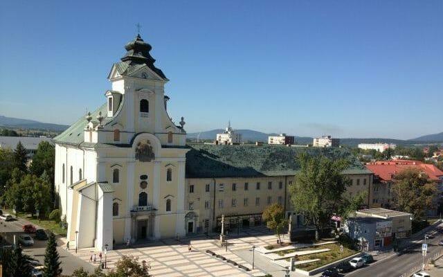 Piaristický kostol, kláštor a škola v Prievidzi
