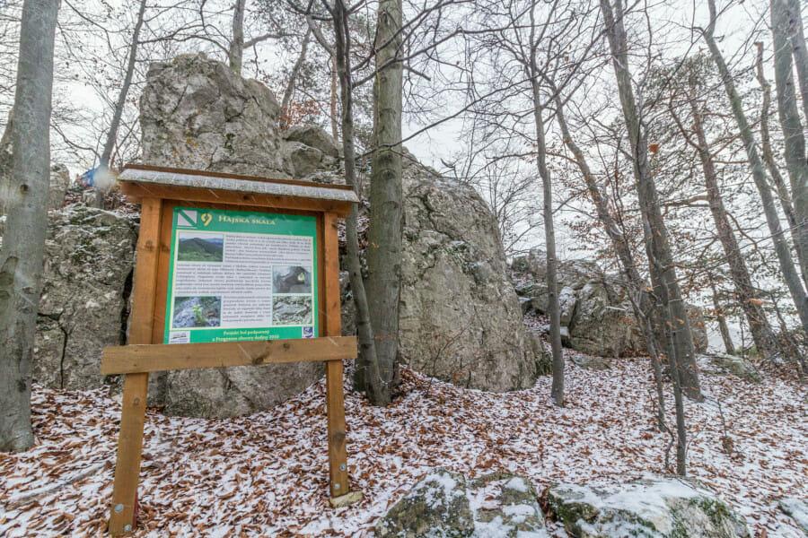 Informačná tabuľa Hájska skala