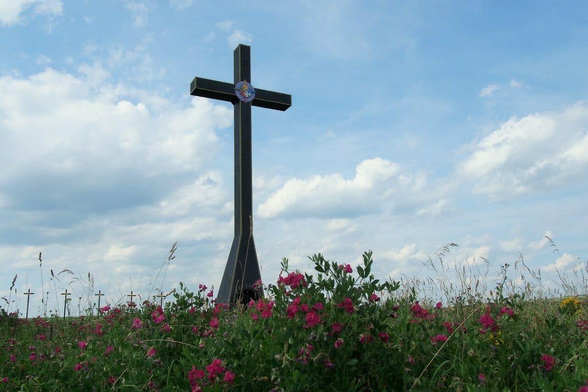 Miléniový kríž pri Smrdákoch
