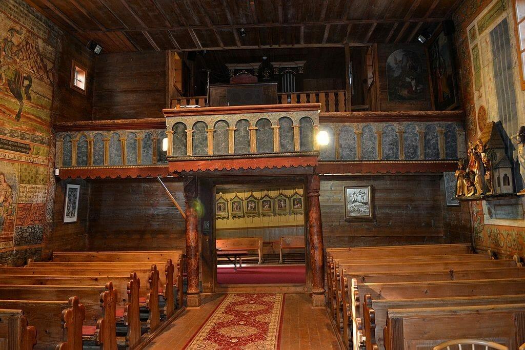 Hervartov – interiér kostola