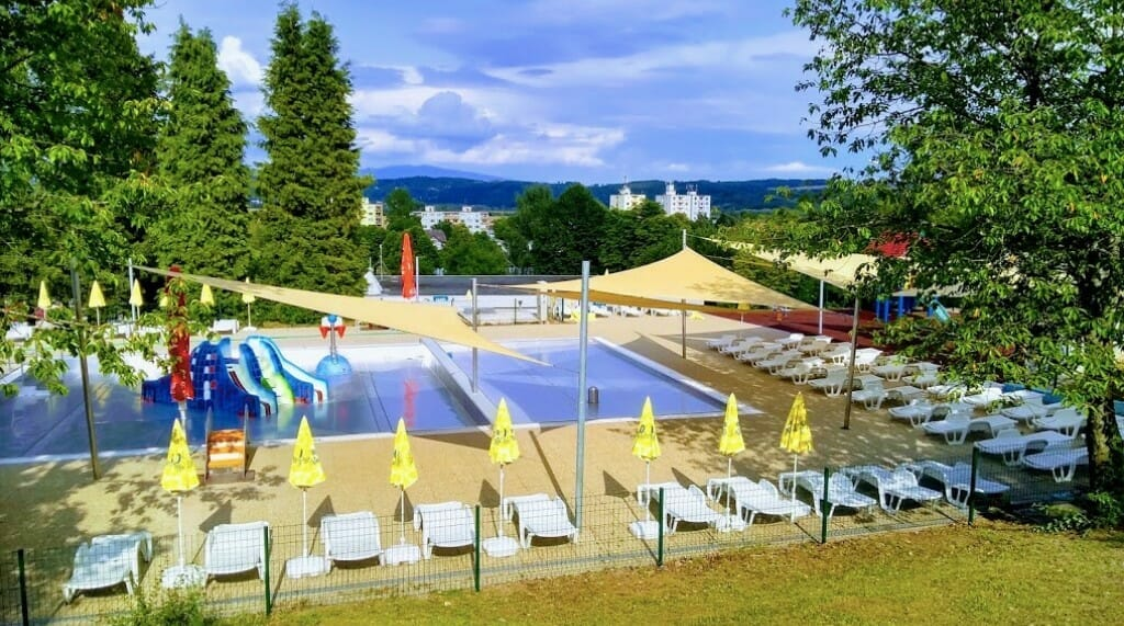Okolie detského bazéna