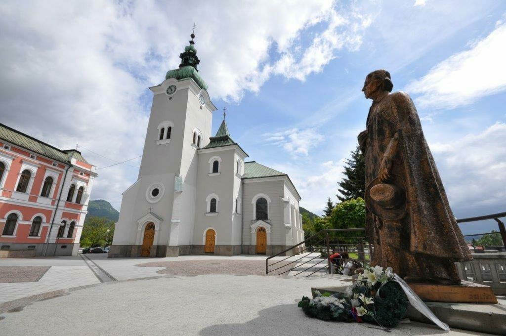Bronzová socha Andreja Hlinka