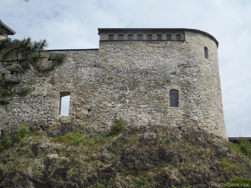 Detailný pohľad na Hrad Liptovský Hrádok po rekonštrukcii