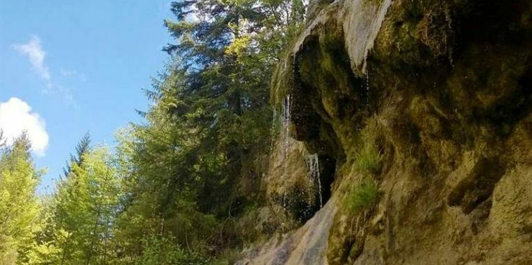 Tajovská kopa – travertínový kaskádovitý vodopád