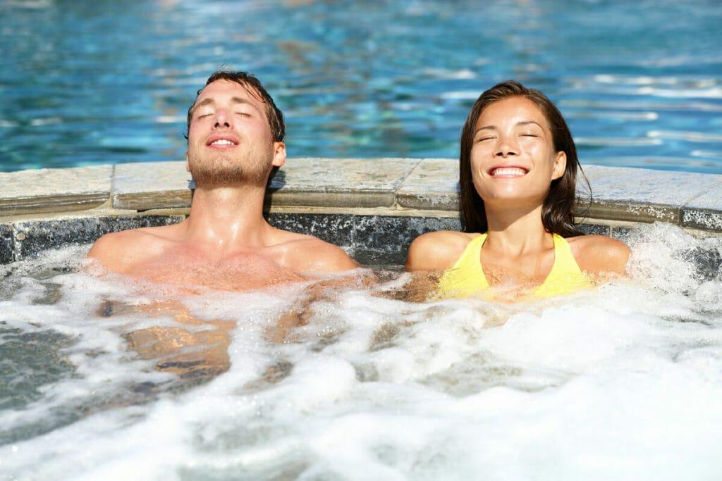 Slnko, relax, príjemná spoločnosť. Stačí si len vybrať ten naj kúpeľný pobyt pre vás.