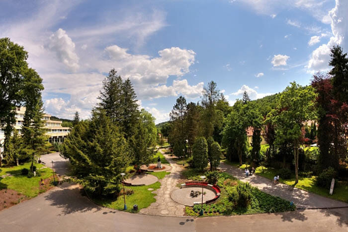 Park pred Kúpeľným domom Alžbeta